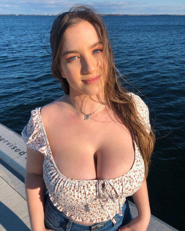 Big Natural Boobs Masturbation