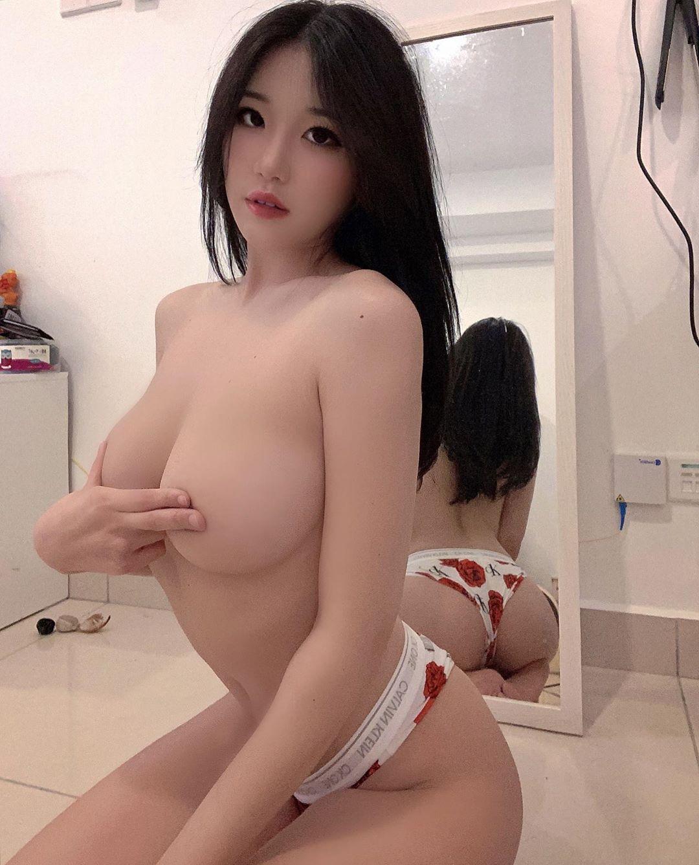 Siew Pui Yi Nudes