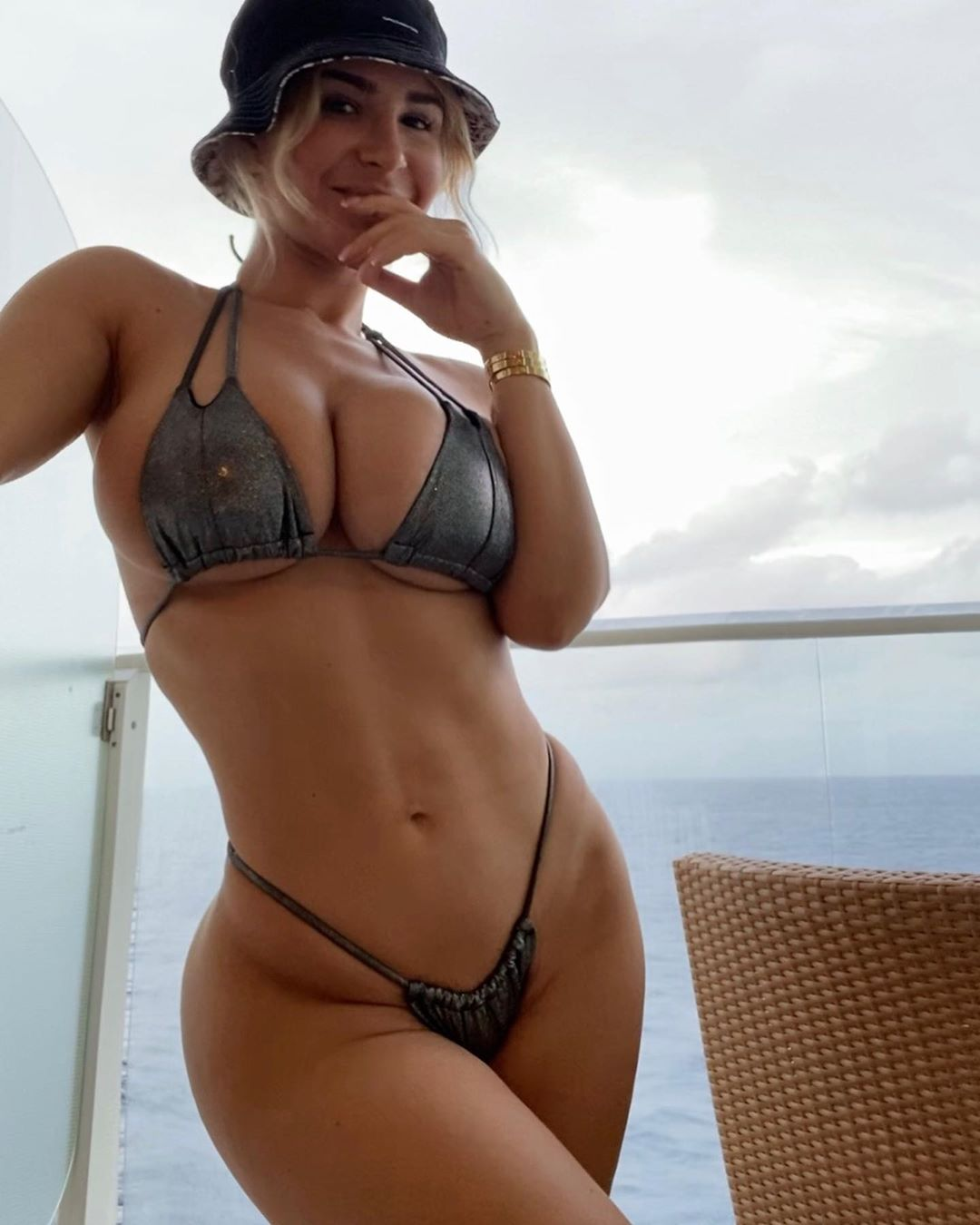 Lauren Pisciotta - Busty Slim-Thick Leaked Nudes - Page 2