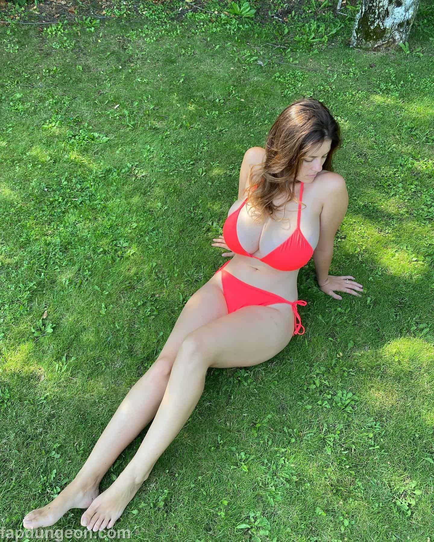 Mady_gio Tits