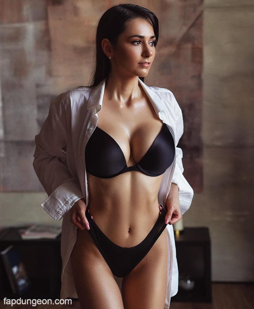 Helga Lovekaty Tits