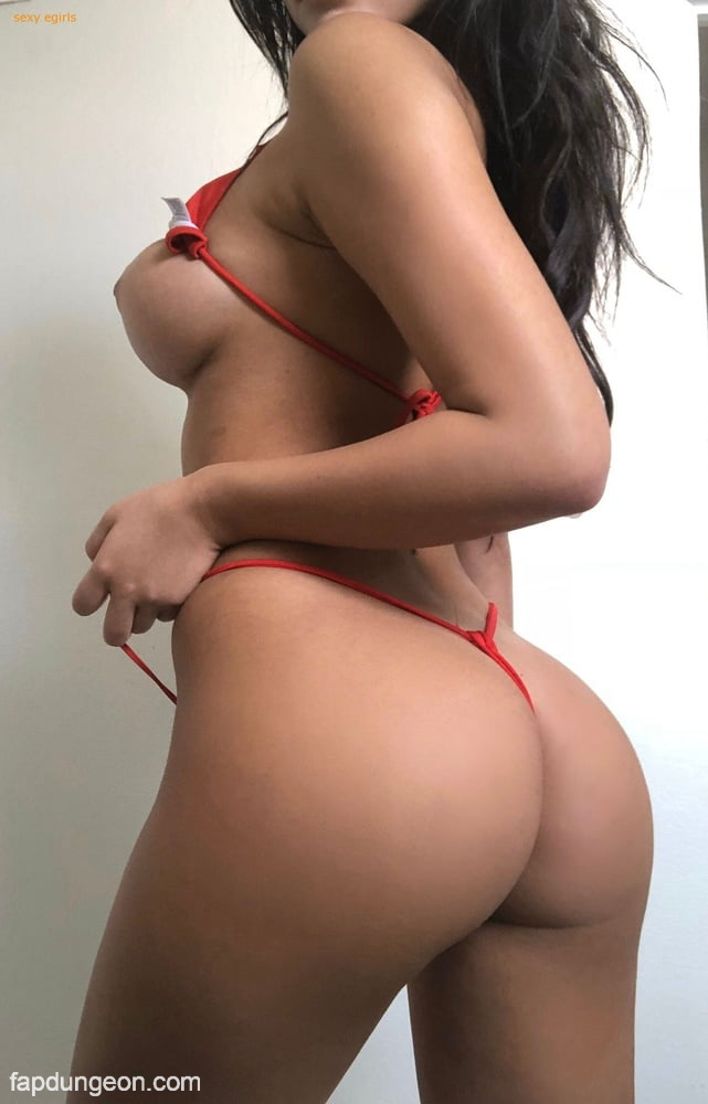 Amanda Trivizas Busty