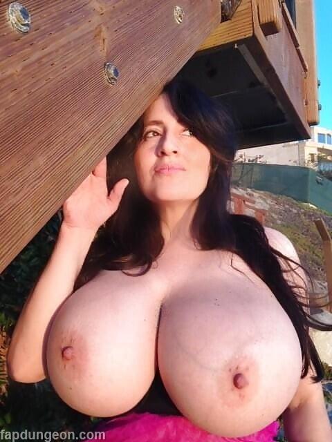 Antonella Kahllo Busty