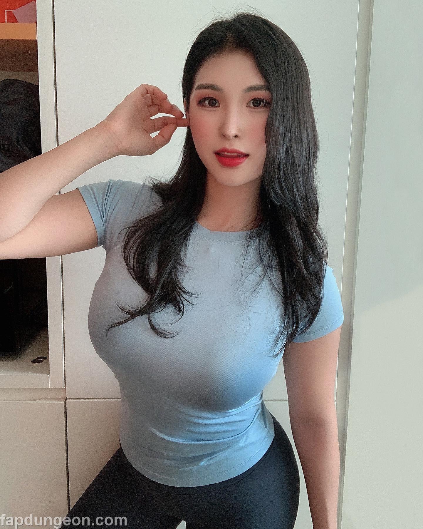 Daani._.e - Busty Big Booty Korean Model - Page 2 of 2