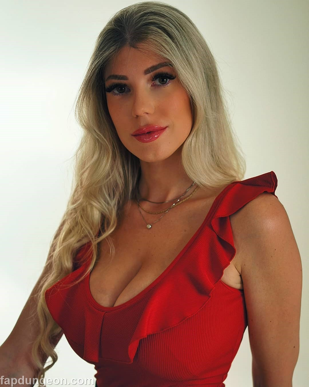 Elena Sottana - Busty Blond Girl - Fapdungeon