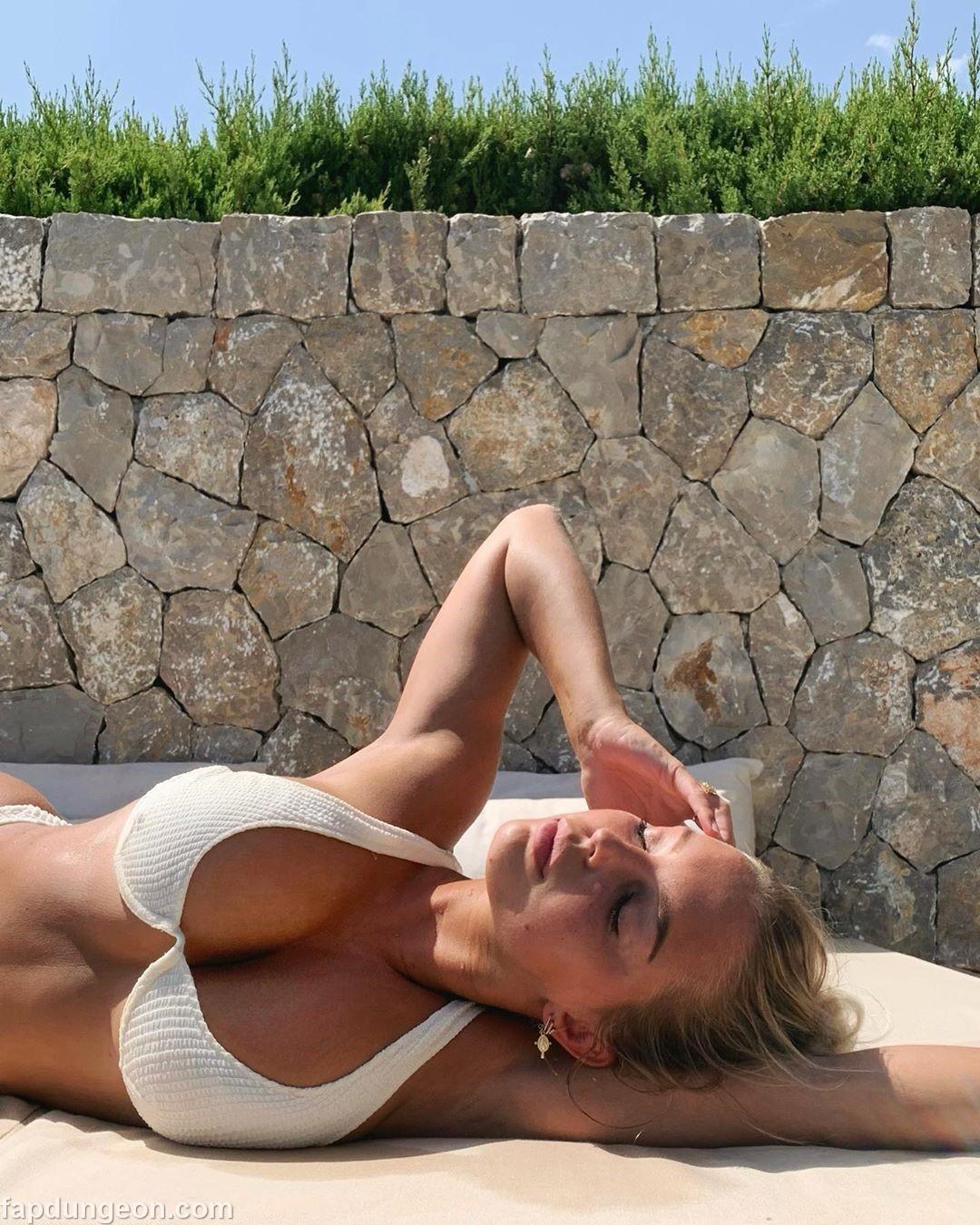 Luna Stevens Tits