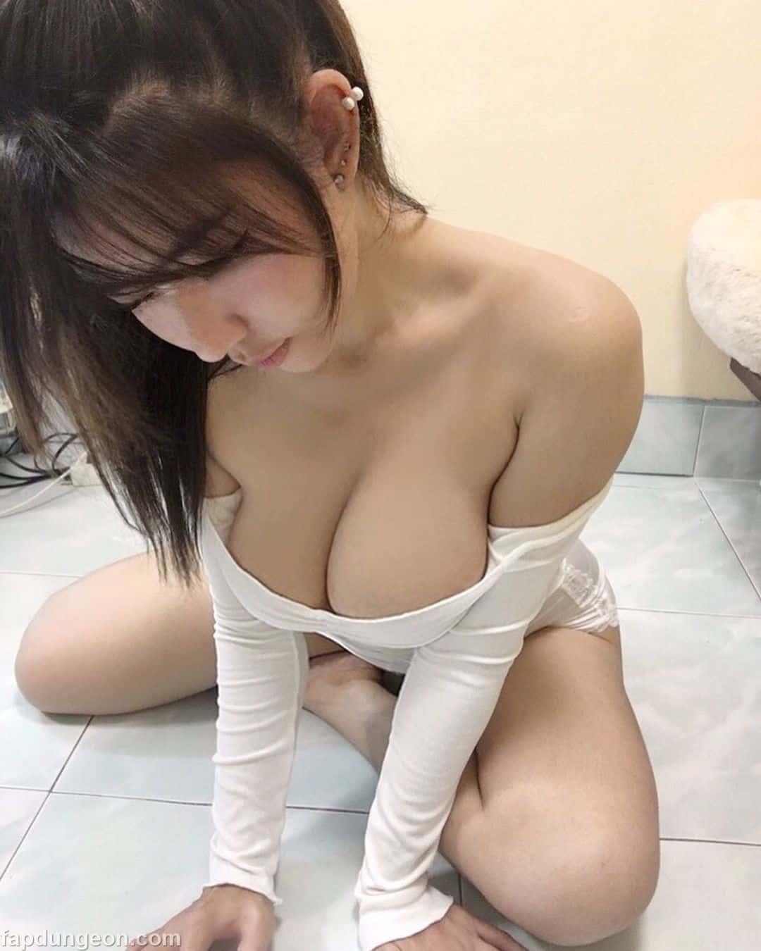 Mikanaka9999 Naked